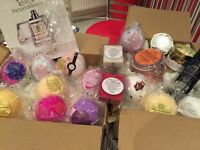 Bath Bomb and Candle Pamper Box
