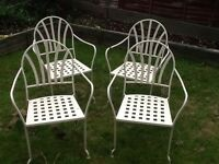 Set of 4 solid garden chairs