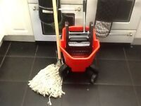 Mop and bucket for industrial cleaning