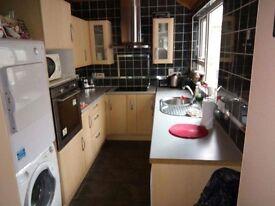 BT345DG Rathfriland 3 bedroom house £375