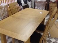 5 FT SOLID OAK EXTENDING TABLE AND 6 CHAIRS