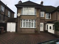3 Bedroom semi detached house available for rent at LU3 1NQ