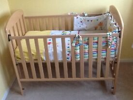 Mama's & Papa's Wooden Jasmine Cot - Excellent Condition