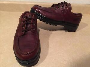 Men's Size 10M Timberland Leather Shoes