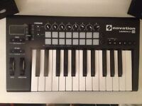 Novation LAUNCHKEY 25 MIDI KEYBOARD- immaculate condition