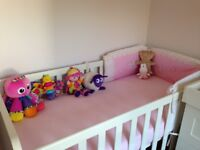 Cot and toddler bed Mamas & Papas white with mattress
