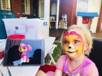($70) Face painting & balloon twisting