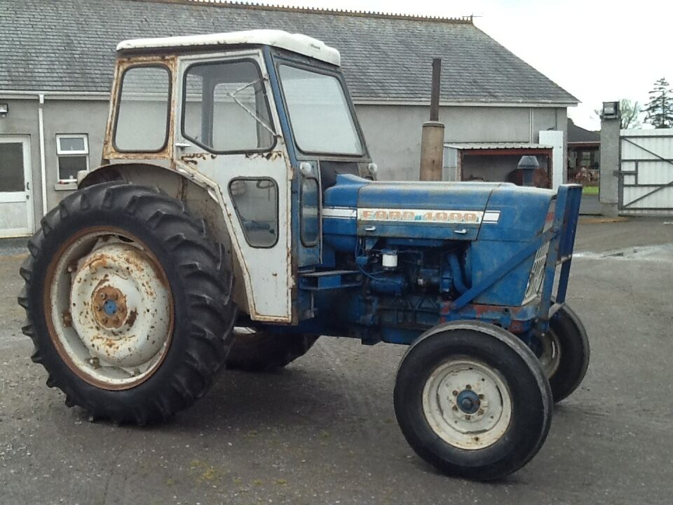 Ford 4000 Backhoe : Ford tractor in portadown county armagh gumtree