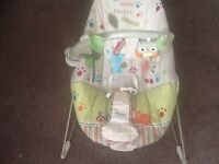 Baby bouncer good condition 0-10 months vibrates to motions
