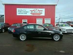 2010 BMW 3 Series 328i xDrive sunroof great kms