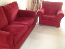 Multiyork sofa & matching armchair in very good condition