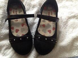 Girls black shoes