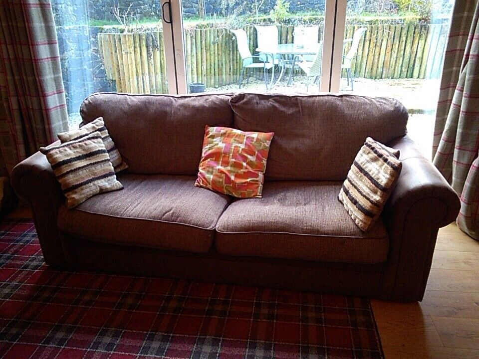 Beautiful Dfs Faux Leather And Fabric 4 Seater Sofa Lovely Condition In