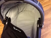 Quinny cot - Black Quinny Cot in excellent and clean condition