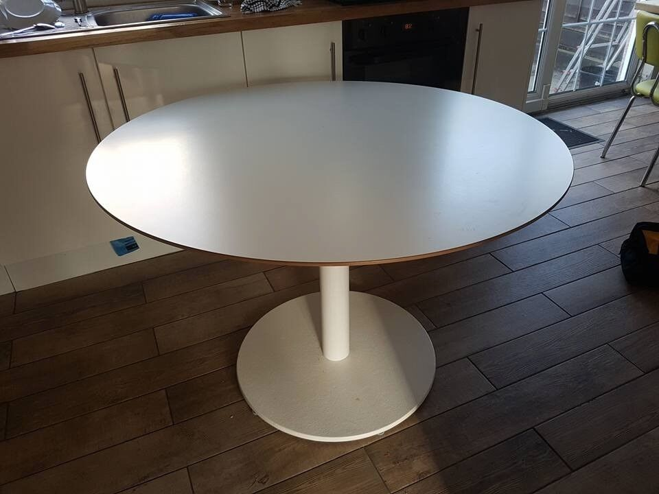 Round Kitchen Table