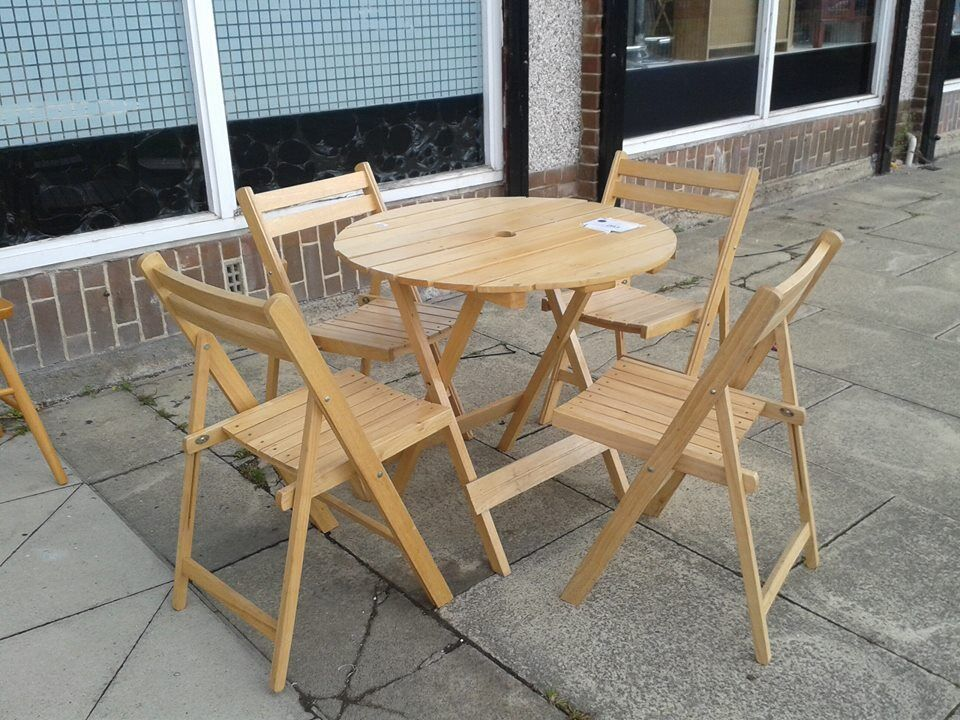 Pine garden table 4 chairs in bradford west yorkshire for Outdoor furniture gumtree