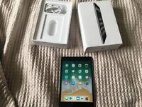 LIKE NEW iPad mini 2 Retina Black 32GB WiFi BOXED
