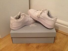 Nike Air Force 1 Unisex size 5.5