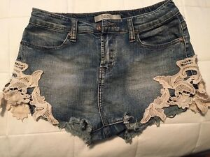 Ladies shorts in great condition  St. John's Newfoundland image 7