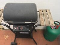 Gas BBQ + Full gas bottle + Grill tools