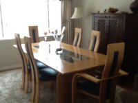 Dining room table and chairs, excellent condition