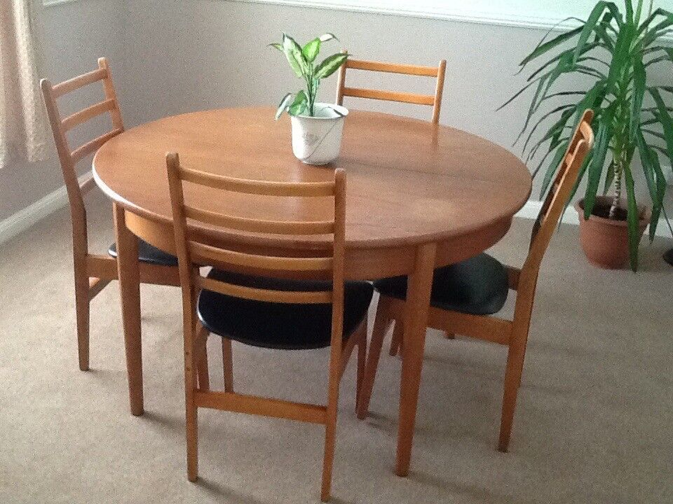 Jentique Dining Table Amp 6 Chairs In Rushmere St Andrew