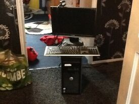 Dell desktop flat screen keyboard and mouse Intel core 2 Windows Xperia works fine just not used