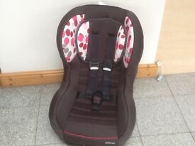 Group 0+1car seat for newborn upto 18kg(to 4yrs)car seat-rear and forward facing-reclines-washed