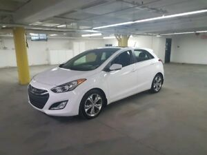 2013 Hyundai Elantra GT SE Navi + Backup Cam , Leather Heated...