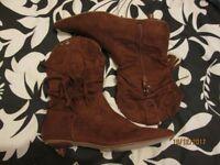 RUSTY / TAN COWBOY STYLE BOOTS BRAND NEW SIZE 5 BY SHOE FAYRE MAYBE FANCY DRESS