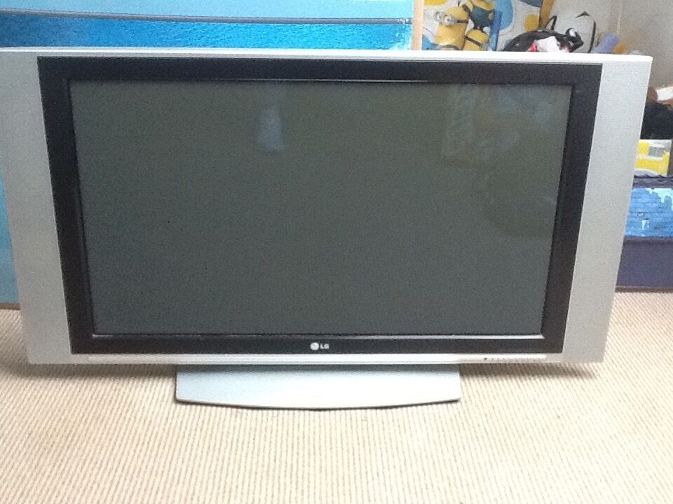 Old Lg Tv 42inch Ideal For Gaming Or Spare Tv In Penarth