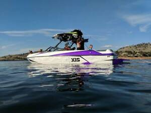 2015 Axis T22 Wakeboat great condition
