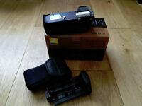 MB-D14 camera battery grip nikon