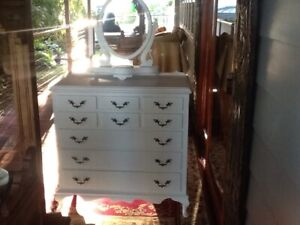 Chest of draws Queen Anne
