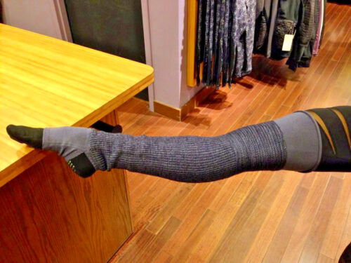 NWOT Lululemon Over the knee Blissed out leg warmers - Purple
