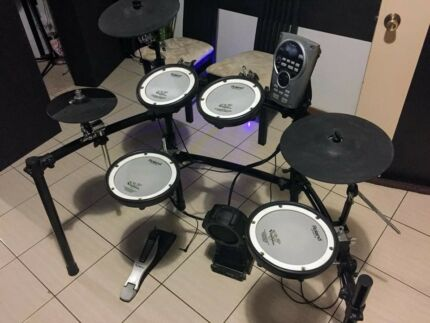 Roland TD-15 K Electric Drum Kit PRICE DROP for a great Christmas