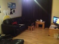Double bedroom in a modern 2 bedroomed flat,Regent Walk