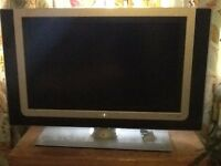 "Flat Screen LCD TV 32"" - Philips"