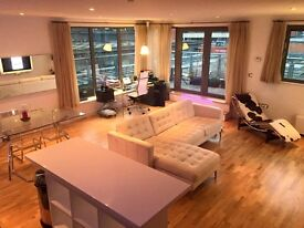 Double room in furnished Bristol city centre penthouse apartment