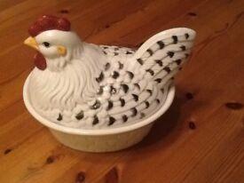 Ceramic 'chicken in a basket' egg storage pot