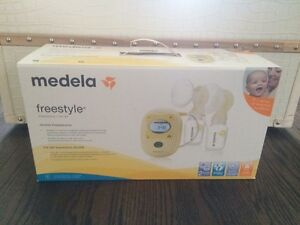 Medela Freestyle Double Pump and Lots of Extras