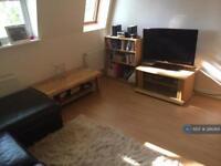 2 bedroom flat in Charles Haller Street, London, SW2 (2 bed)