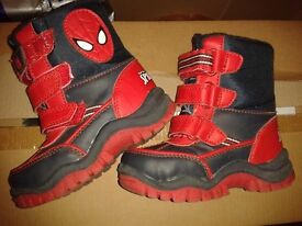 boys spiderman boots size 6