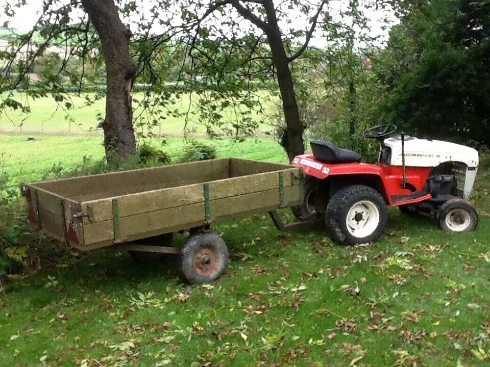 Jacobsen GT10 lawn tractor with Kohler engine and tipping, drop side trailer