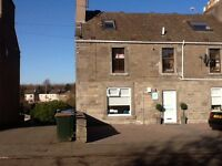 Invergowrie close to Ninewells Hospital and Dundee Westend Split level 3 bed Apartment
