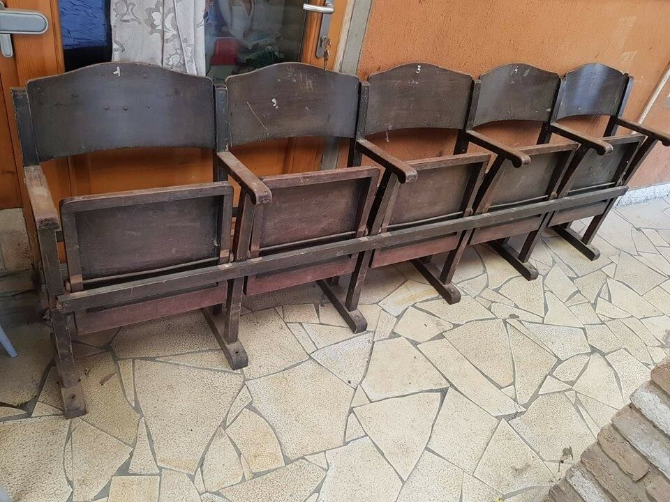 Vintage Row of 5 Theater, Church Chairs Mid-Century Seats Nostalgic