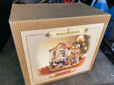 Grandeur Noel Musical Water Globe 2001 Collectors Edition Animated Christmas