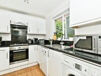 Spacious 2 Bed FULLY FURNISHED Flat 5 Min Walk From Island Gardens DLR in Canary Wharf E14