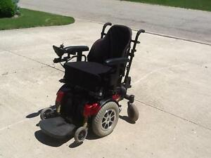 QUANTUM 0 MOBILITY SCOOTER .I SALE OR RENT