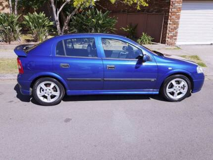 ***VERY LOW KILOMETERS !!!!*** HOLDEN ASTRA CD HATCHBACK FOR SALE